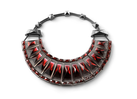 le_collier_louxor_de_baccarat_250_ans_elie_top_9450_north_545x
