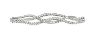 Bracelet articulé Harry Winston en platine, serti sur diamants brillants, tailles baguette et poire. Estimation: 210 000-300 000 euros.