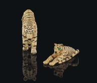 Broches Tigers de Cartier, diamants jaunes, onyx et yeux en émeraudes, 1956. Estimation: 1 400 000- 1 900 000 euros.