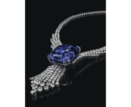 ollier Blue Belle of Asia en or blanc, diamants et un saphir central de 392.52 carats. Estimation: 5 400 000- 7 700 000 euros.